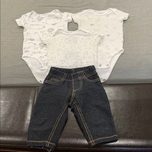 Carter's Baby boy set of 3 body suits and …